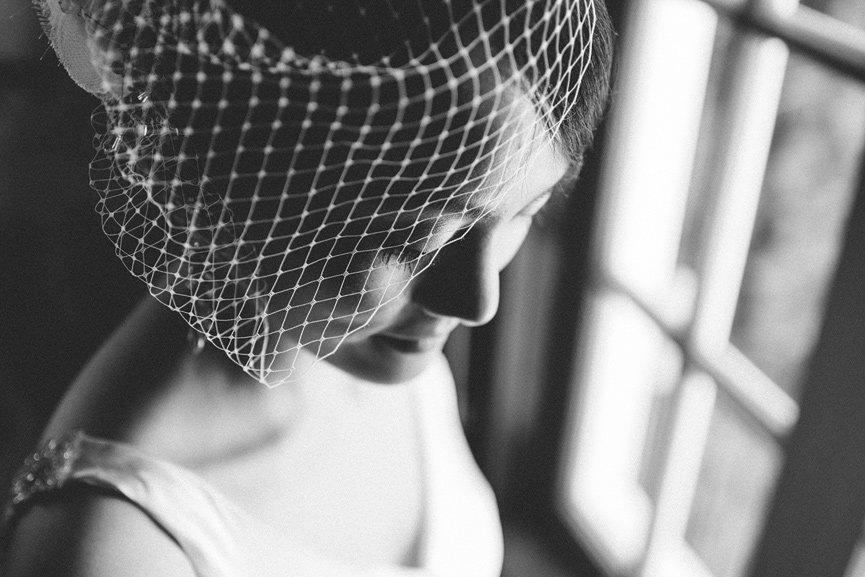 01-calvina-20s-bride-birdcage-veil